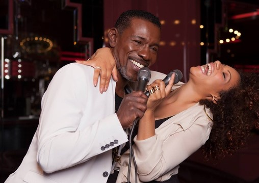 Natascha Wright a Alfred McCrary