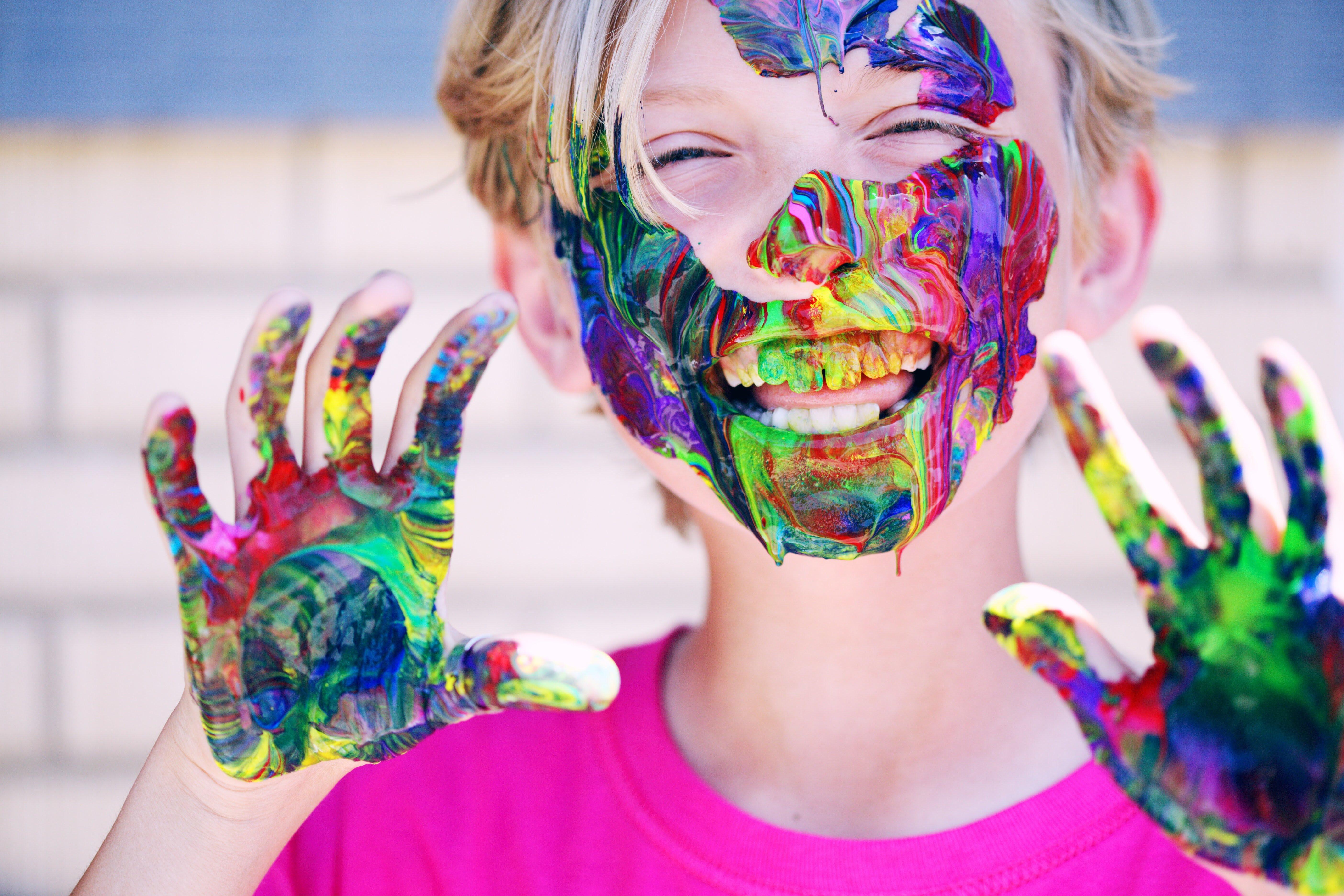 4 spôsoby ako rozvíjať dieťaťu kreativitu a jemnú motoriku zároveň