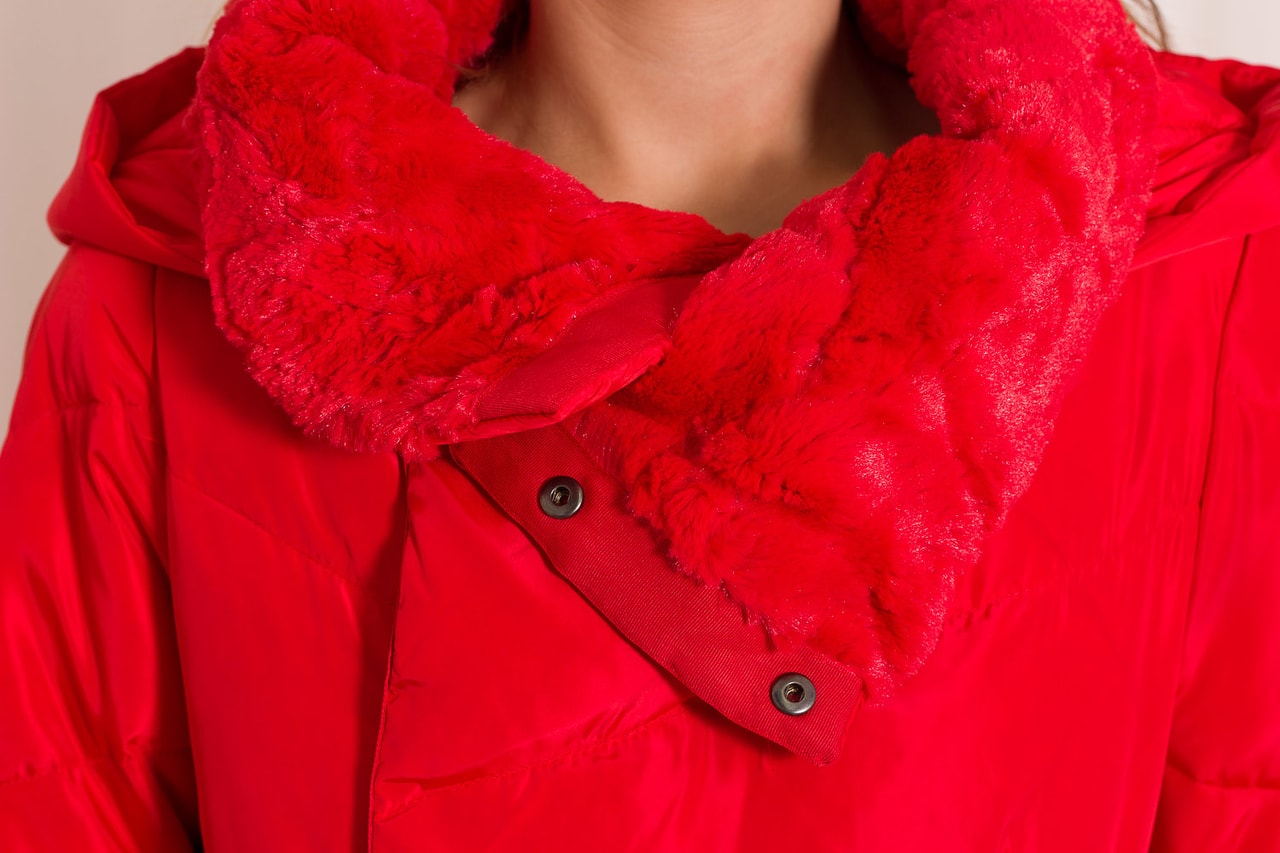 Červená páperová bunda