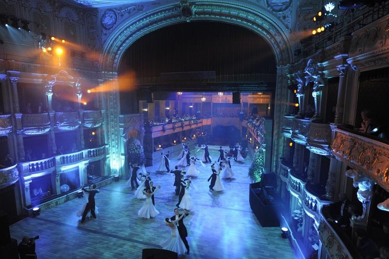 Ples v Opere