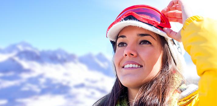 Chystáte sa lyžovať, snoubordovať, sánkovať, korčuľovať alebo len tak si vychutnávať krásu hôr a nadýchať sa horského vzduchu? Nezabudnite na ochranu pleti. Je dôležitá.